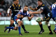 Dewaldt Duvenage Photos - Dewaldt Duvenage of the Stormers clears the ball during the round four Super Rugby match between the Highlanders and the Stormers Forsyth Barr Stadium on March 2018 in Dunedin, New Zealand. - Dewaldt Duvenage Photos - 1 of 55 Super Rugby, Highlanders, New Zealand, Marie, Wrestling, Sports, Photos, Lucha Libre, Hs Sports