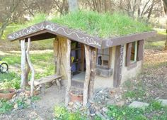 Building A Naturally Cool Cob Playhouse For $30...http://homestead-and-survival.com/building-a-naturally-cool-cob-playhouse-for-30/