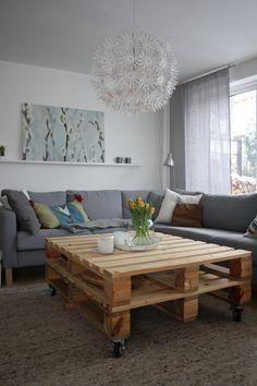 Palettentisch im Wohnzimmer von sunbia
