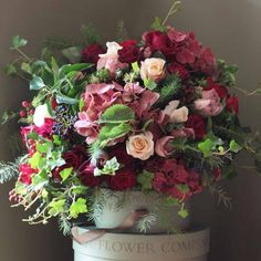 Ultimate Luxury antique Bouquet    http://www.realflowers.co.uk/christmas-collection-1/the-real-flower-company-ultimate-luxury-scented-red-antique-bouquet.html