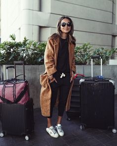 "JULIE SARIÑANA on Instagram: ""Airport style in our Lux joggers! @shop_sincerelyjules- so comfy! shopsincerelyjules.com ✔️"""
