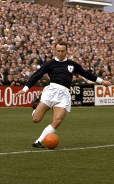 Jimmy Greaves - He is England's fourth highest international goalscorer goals in 57 app. Football Apps, Pure Football, British Football, Retro Football, School Football, Vintage Football, Football Soccer, Football Players, Football Images
