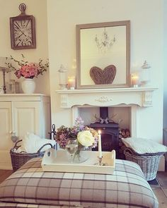 Shabby Chic Home Decor Cottage Living Rooms, New Living Room, Home And Living, Living Room Decor, Woodland Living Room, Living Room Inspiration, Home Decor Inspiration, Shabby, Room Interior