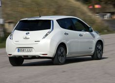 Car of the Year 2011: Nissan Leaf.