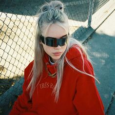 how to be like billie eilish - 20 - Wattpad Rihanna, Beyonce, Billie Eilish, Selena Gomez, Ariana Grande, Kylie, Kardashian, Bae, Red Aesthetic