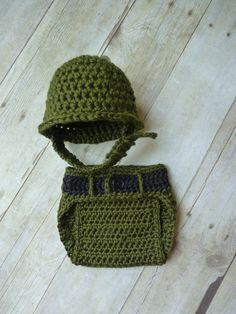 Crochet Little Military Set I saw this and thought of you @tarao226 This is too cute!!