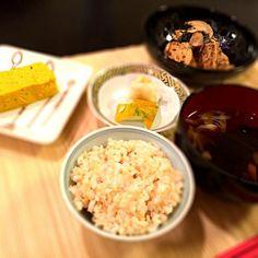 本日のヨガランチ☆コーフーは蒸す➡︎揚げる➡︎煮るを4時間かけて行い、炒めました。やっぱり手作りは美味しいな(^o^) - 8件のもぐもぐ - コーフーの豆腐マヨ炒めと、小豆南瓜のテリーヌ☆ by YukkiSatake