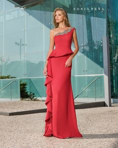 Party dress, Cocktail Dresses, Mother of the bride dresses. Complete Spring-Summer Avant Garde Collection Sonia Peña - Ref. Mother Of Groom Dresses, Mothers Dresses, Pretty Dresses, Beautiful Dresses, Bridesmaid Dresses, Prom Dresses, Gown Pattern, Gowns Of Elegance, Holiday Dresses