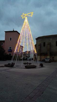 Pon color a tu Navidad Ferris Wheel, Fair Grounds, Cosmetics, Merry Christmas, Nativity Scenes, Restaurants, Movies, Colors