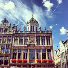 Grand Place, Brussels, Belgium | smarksthespots.com