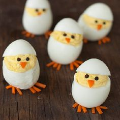 Skip the plain old deviled eggs for these adorable hatching chicks. They're sure to be the hit of your Easter brunch Skip the plain old deviled eggs for these adorable hatching chicks. They're sure to be the hit of your Easter brunch Easter Lunch, Easter Eggs, Easter Food, Easter Recipes, Holiday Recipes, Egg Recipes, Brunch Recipes, Holiday Foods, Pizza Recipes