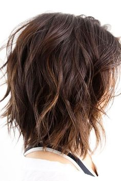 Best Variations of a Medium Shag Haircut for Your Distinctive Style. Medium shag haircuts, what can be more popular these days? Medium Shag Haircuts, Layered Bob Hairstyles, Feathered Hairstyles, Cool Haircuts, Haircut Medium, Short Haircuts, Thick Hair Hairstyles Medium, Summer Haircuts, Wavy Bob Hairstyles