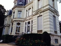 Feel like an aristocrat for a night at Hotel Chateau de Verrieres, Saumur France