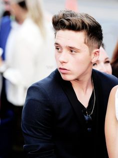 Brooklyn Beckham Picture of the Day (1/ ∞)