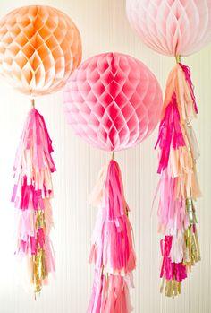 Бумажные помпоны кисточки - 10 идей для декора | Снова Праздник!