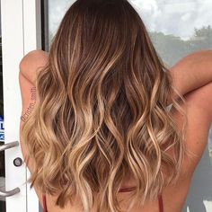 Seamless beige balayage ombre waves by @ap_rubio #beautybycristen
