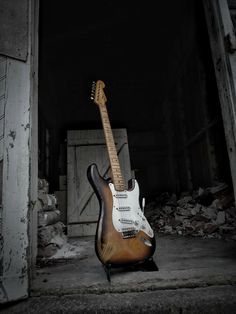Miss Daisy, the scarce 1954 preproduction Fender Stratocaster of Jean-Pierre Danel. The French guitar player used this Strat on a number of hit records, TV apparences, and shared it with mates such as Hank Marvin, Brian May, Albert Lee, etc. The guitar is featured in several books, magazines front pages, etc. A life size poster and plexiglas are available at the Louvre Museum shops. #missdaisy #fender #stratocaster #1954 #preproduction #Louvre #museum #danel #jeanpierredanel #music