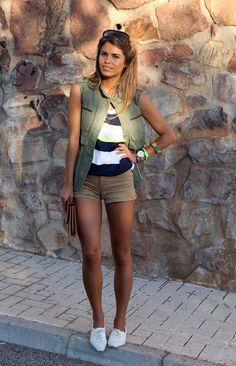 #fashion #fashionista Jessie verde blu bianco marrone Seams for a desire: Yellow fluor
