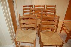 FINN – Jærbustoler og en trestol. Outdoor Chairs, Dining Chairs, Outdoor Furniture, Outdoor Decor, Home Decor, Decoration Home, Room Decor, Garden Chairs, Dining Chair