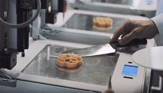 Ресторан с 3D едой и мебелью http://rbnews.uk/tourism/news/article42951.html  В столице заработал новый ресторан, где все предметы мебели, а также блюда, предлагаемые в меню, печатает 3D-принтер. Новый ресторан получил название Food Ink., в его меню находится 9 блюд, каждое из которых готовится из специальных пищевых чернил на 3D-принтере. Лакомства в ресторане Food Ink можно отведать за£250 и готовятся они в течение 10 минут. Несмотря […]