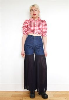VTG 90'S GINGHAM CHECKED BUS STOP CROP TOP- THE SAVAGE SISTER