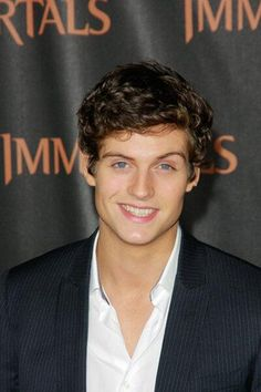 daniel sharman. He would be a great Hale.