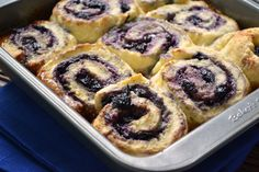 Saskatoon Berry & Honey Sticky Biscuits - Dinner With Julie No Bake Treats, No Bake Desserts, Yummy Treats, Sweet Treats, Dessert Recipes, Yummy Food, Saskatoon Recipes, Saskatoon Berry Recipe, Rhubarb Scones