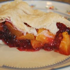 Peach and Blackberry Pie