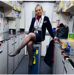 Flight Girls, Beautiful Legs, Beautiful Clothes, Great Legs, Sexy Older Women, Cabin Crew, Flight Attendant, These Girls, Sexy Legs