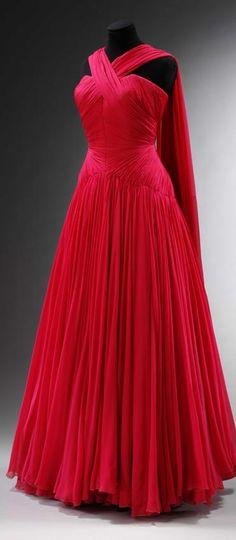 Evening dress (robe du soir longue) by Jean Dessès. Chiffon. Paris, about 1953.