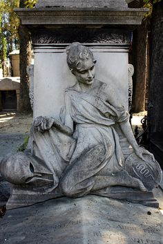 Greek theme of a cemetery sculpture by S. Ruehlow