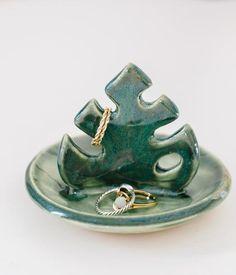 Ceramic Jewelry, Ceramic Clay, Ceramic Pottery, Pottery Art, Pottery Gifts, Polymer Clay Crafts, Diy Clay, Polymer Clay Jewelry, Clay Art Projects