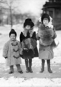 +~+~ Antique Photograph ~+~+  Bundled up for winter!