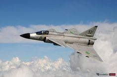 SwAFHF-restored Saab 37 Viggen in the air, where it belongs.