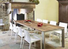 Esstisch Amalfi mit Astnussbaum Tischplatte und Aluminium Tischbeinen (optional auch in Edelstahl oder Holz)