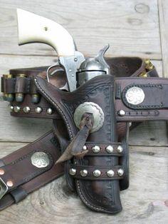 Showman 44//45 Caliber GUN HOLSTER /& BELT Western Dark Oil Tooled Leather