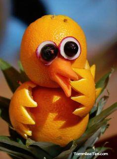 duck orange Amazing Fruit Animals on the Golden Princess Vegetable Animals, Fruit Animals, Veggie Art, Fruit And Vegetable Carving, Veggie Food, Food Food, Fruit Sculptures, Food Sculpture, Fruit Decorations