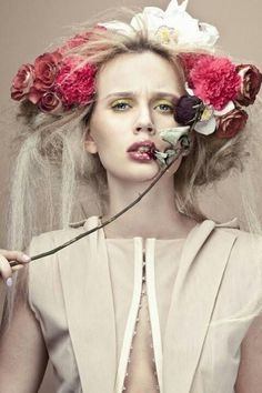 Weddbook is a content discovery engine mostly specialized on wedding concept. You can collect images, videos or articles you discovered  organize them, add your own ideas to your collections and share with other people - ❀ Flower Maiden Fantasy ❀ beautiful photography of women and flowers -
