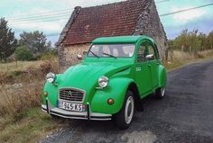 2cv French Vintage, Vintage Style, Psa Peugeot Citroen, Oldschool, Cars And Motorcycles, Classic Cars, Colours, Vehicles, Cars