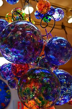 From Outstanding Crochet- reminds me of Dale Chihuly. Mosaic Glass, Fused Glass, Stained Glass, Blown Glass Art, Art Of Glass, Dale Chihuly, Arte Fashion, Glass Ball, Glass Design