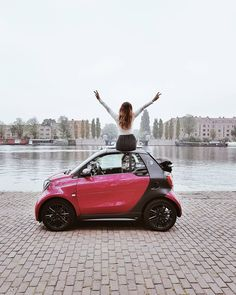 I usually don't sit on cars but when invited me to Amsterdam for a photography battle we did a few fun and crazy things that I still remember and laugh about today. Crazy Things, Girl Photography, Vienna, Amsterdam, Battle, Cars, Instagram Posts, Fun, Autos