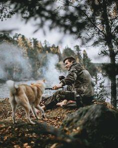 Рецепт того как полюбить осень: отправляйтесь в Карелию доплывите на лодке до ближайшего острова разведите костёр и не забудьте взять собой лучшего друга. История и снимок @elivosk. Canon EOS 5D Mark II Фокусное расстояние: 50mm Диафрагма: ƒ/1.4 Выдержка: 1/1250 сек ISO: 250 #CanonPhoto #CanonRussia #LiveForTheStory via Canon on Instagram - #photographer #photography #photo #instapic #instagram #photofreak #photolover #nikon #canon #leica #hasselblad #polaroid #shutterbug #camera #dslr…