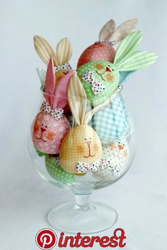 Holiday Decorations Easter Inspiration 20 Ideas For 2019 Hoppy Easter, Easter Bunny, Easter Eggs, Bunny Crafts, Easter Crafts, Spring Crafts, Holiday Crafts, Holiday Decorations, Spring Flower Arrangements
