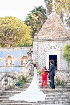 This wedding and held in this beautiful palace filled with portuguese tiles and planned by Lisbon Wedding Planner!  #portugalwedding #tiles #palace #outdoor Wedding Ceremony, Wedding Venues, Wedding Photos, Wedding Planner, Destination Wedding, Portuguese Tiles, Lisbon Portugal, Amazing Destinations, Real Weddings