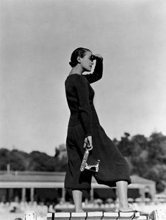 Mme Georges Auric in Tao-Tai two-piece, photographed by George Hoyningen-Huene, 1932.