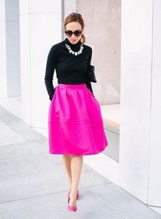 Pink midi skirt paired with simple black turtleneck knit Pink Shoes Outfit, Pink Skirt Outfits, Hot Pink Skirt, Pink Midi Skirt, Winter Skirt Outfit, Pink Skirts, Formal Winter Outfits, Hot Fall Outfits, Pinker Rock