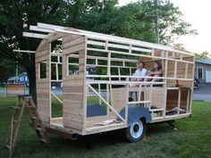 Daphne's Caravans ::: Magical Retreats :::How to build your own gypsy wagons!