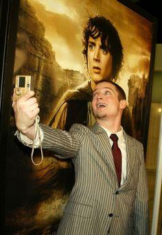 The best selfie ever, elijah wood, frodo