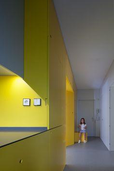 Yellow Apartment Renovation / Pedro Varela & Renata Pinho (24)