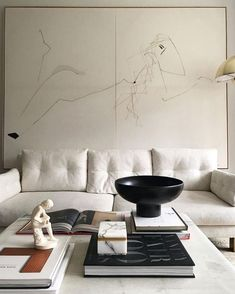 Home Decor Inspiration love the coffee table styling with the oversized black bowl.Home Decor Inspiration love the coffee table styling with the oversized black bowl Decoration Inspiration, Interior Design Inspiration, Decor Interior Design, Interior Decorating, Decorating Ideas, Interior Ideas, Decor Ideas, Decorating Websites, Room Interior